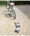 Luilak blikken voor achter de fiets